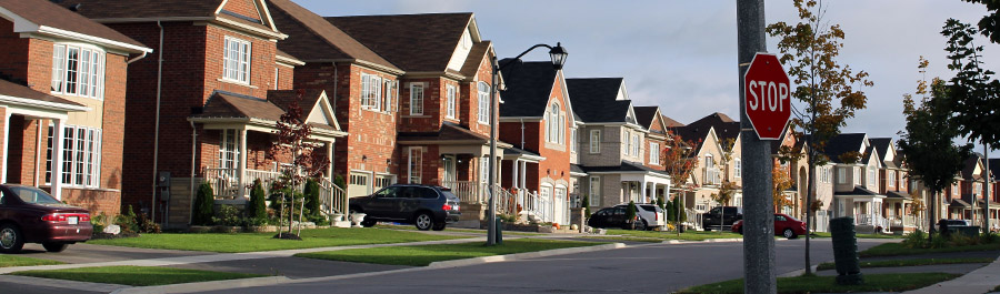 houses in a new subdivision in Oshawa